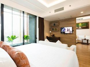 Adelphi Forty-Nine Bangkok