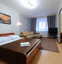 Apartment Viphome on Uchebnaya 8