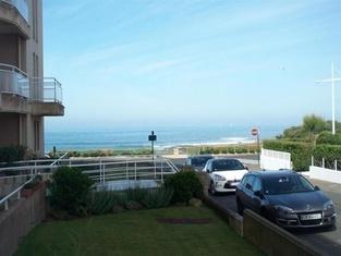 Rental Apartment Dans Résidence Avec Piscine, Grand Type 2 Avec Balcon