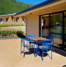 Bay Vista Waterfront Motel