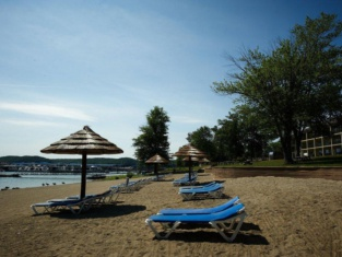 Fourwinds Resort & Marina