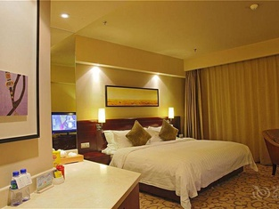 โรงแรม โฮฮอท ยี่จู