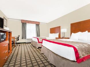 ラマダ レキシントン ノース ホテル アンド カンファレンス センター