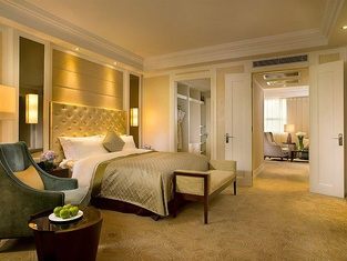 Oriental Jianguo Hotel