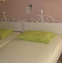 Kroussos Rooms