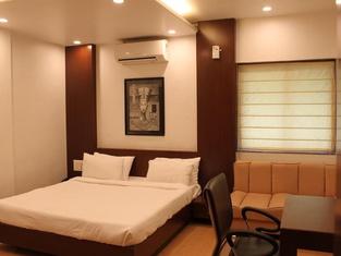 Loharkar Hotel