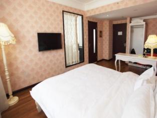 Camilla Hotel