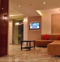 OYO 6903 Hotel Shelter