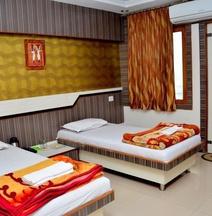 OYO 13346 Hotel A R Ganpati Plaza