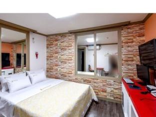 Dubai Motel