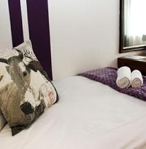 Cajori Hotel