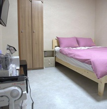 Ara & Maru Hostel