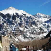 Bachman Village 19 4 Bedroom Holiday Home By Accommodations in Telluride
