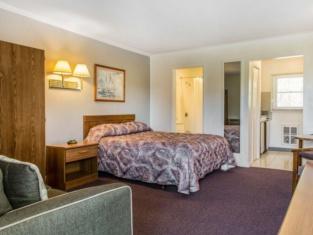 Rodeway Inn Waterford - New London