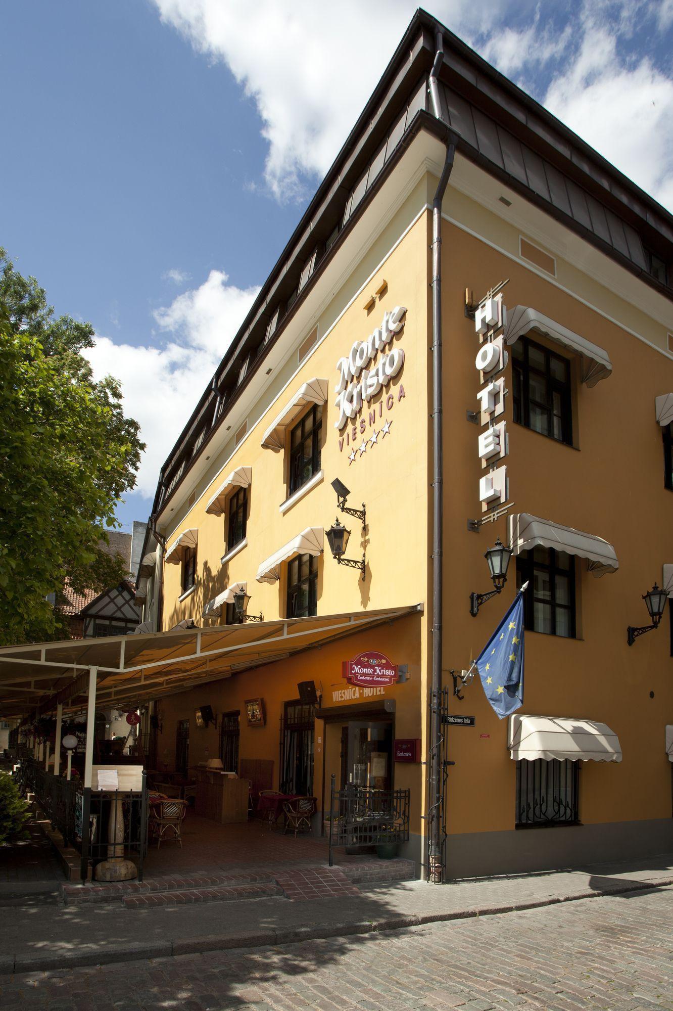 """Viesnīca """"Monte Kristo"""""""