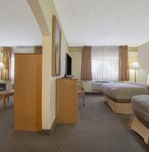 Days Inn & Suites by Wyndham Clovis
