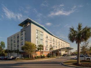 Aloft Charleston Airport and Convention Center