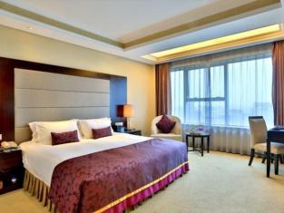 Yi Mei Plaza Hotel