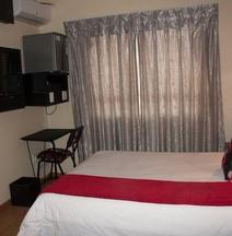 Scenery Maqalika Guesthouse