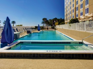 DoubleTree by Hilton Biloxi