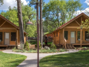 Shadow Mountain Lodge and Cabins