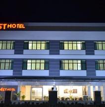 亚斯特酒店
