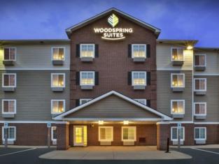 WoodSpring Suites Holland