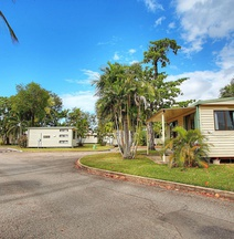 BIG4 Rowes Bay Beachfront Holiday Park