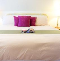 Indiana Jones Bed & Breakfast