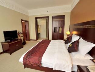 Shangri-La Original Density Hotel