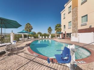 La Quinta Inn & Suites by Wyndham Mathis