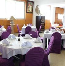 Lewat Hotel