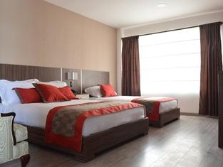 Santiago De Compostella Suites Hotel