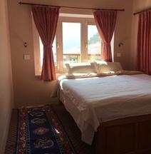 Hotel Khangri