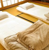 Traditional House Akane Takamatsu Guesthouse