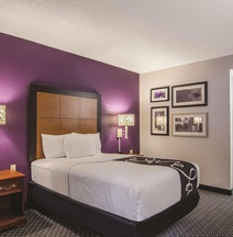 La Quinta by Wyndham Cleveland - Airport North