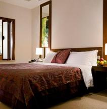 Baolong Hotel