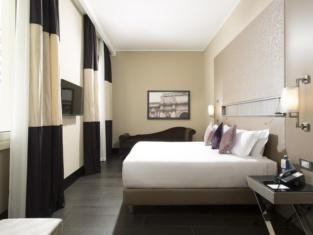 Rome Life Hotel