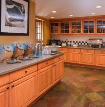 Hampton Inn & Suites Pueblo-Southgate