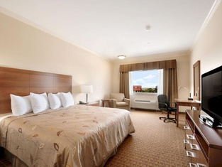 Ramada by Wyndham College Station