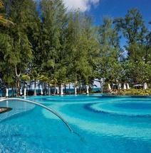 普吉島邁考海灘假日酒店度假村