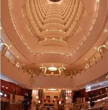 โรงแรมฮอลิเดย์วิลล่าแอนด์เรสซิเด้นซ์