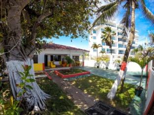 Villa Sarie Bay Hotel - Hostel
