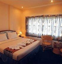 クラビ ロマ ホテル