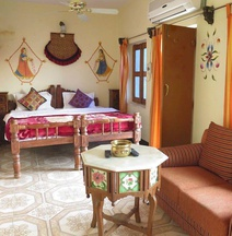 Yogis Guest House