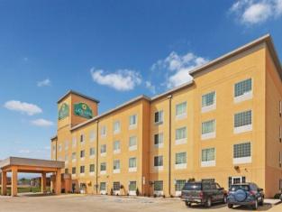 迪金森拉金塔旅館及套房