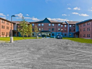 Residence & Conference Centre - Sudbury North