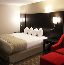 Days Inn & Suites by Wyndham North Bay