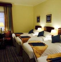 Al Eiman Al Qibla Hotel
