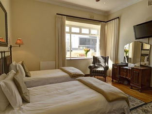 Sundown Manor Guest House